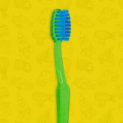 Cepillo dental infantil translúcida con detalles de escarcha mango color verde